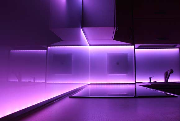 Coloured Glass Splashbacks Dundee | Apex Glass and Glazing Dundee.